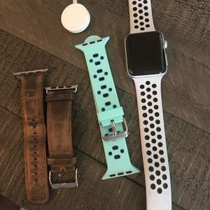 Apple Watch 3 with Cellular 42mm  with bands